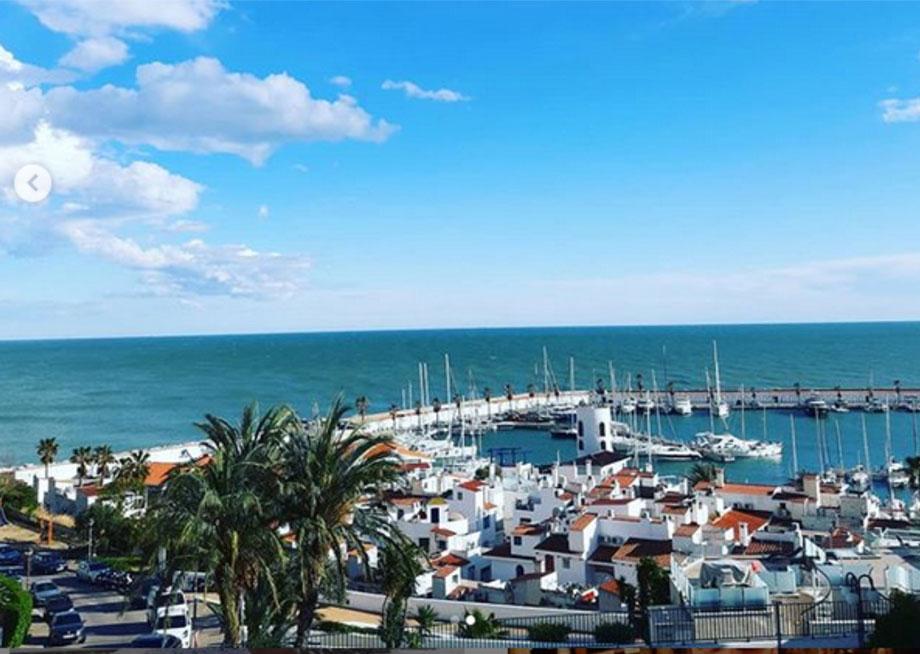 Sitges y el mar, SITGES Y EL MAR